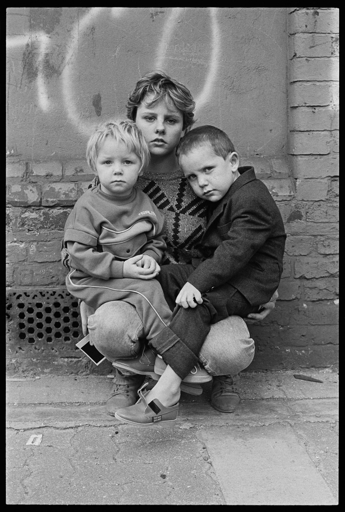 TRAVELLERS' CHILDREN IN LONDON FIELDS