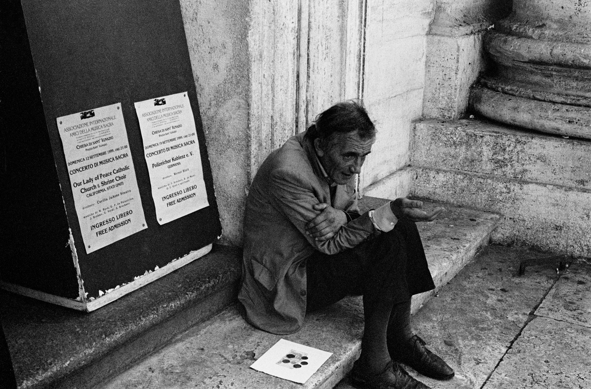 TRAVELS IN ITALY - Beggar - Rome - 1999